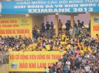A crowded VenueSân vận động stadium