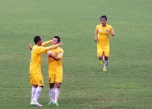 Nguyễn Trung Sơn celebrates