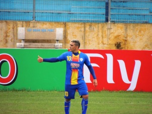 Arema's Gonzales put the visitors ahead