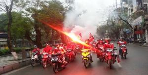 Hai Phong fans parade the city before their match