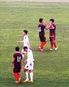 Công Phượng celebrates his goal