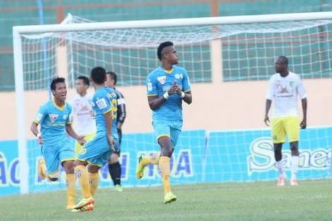Sanna Khanh Hoa goalscorer, Dos Santos