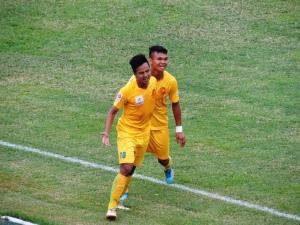 C.A.N.D's Nguyễn Hữu Sơn grabbed a brace.