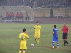 club-mates Van Quyet & Thanh Long on opposing sides