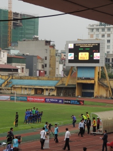 Cà Mau line up at the Hang Day stadium