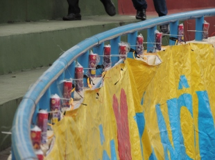 Quảng Ninh fans rigged the whole stadium with fireworks for the big game